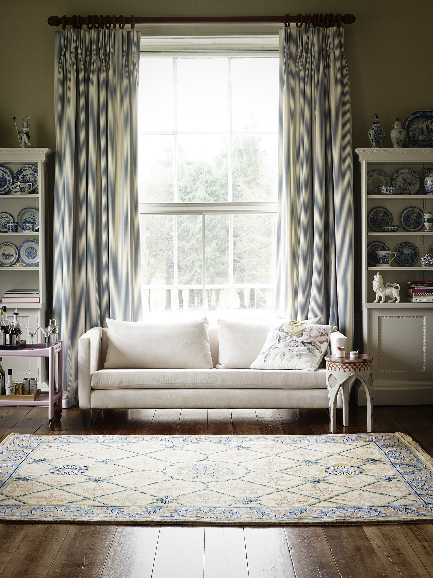 AURELIE_Go Bold Collection_By Loomah Bespoke Carpets & Rugs_Styled By Lucy Gough, Photography By David Cleveland
