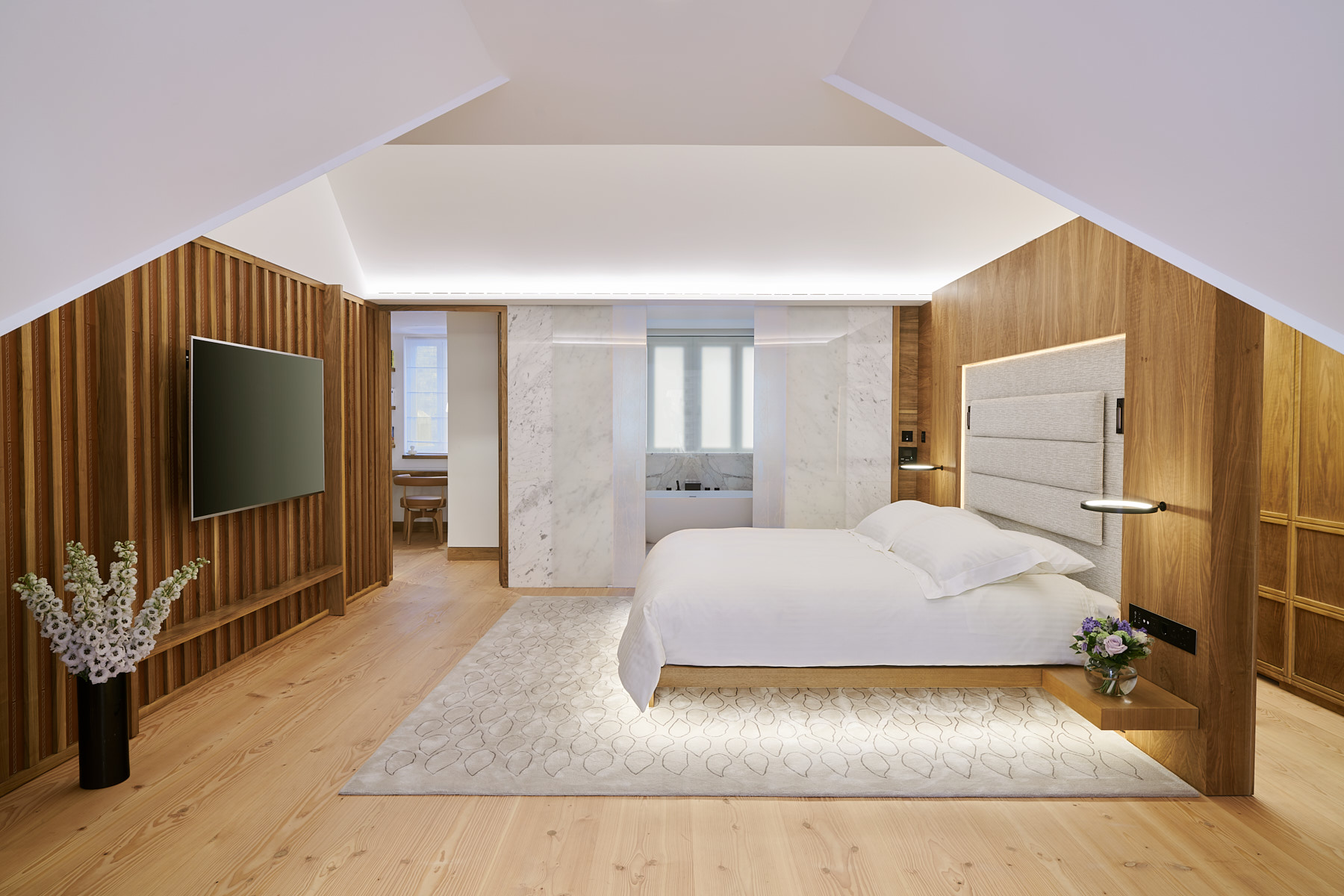 MASTER BEDROOM_CONNAUGHT MEWS HOUSE_By Loomah Bespoke Carpets & Rugs_Interior Design By Michael Blair